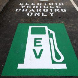 Study: Gasoline cars will vanish in 8 years.